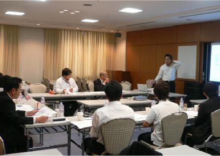 写真:導入勉強会のイメージ